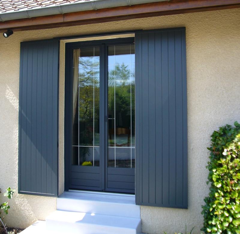 Fenêtres isolantes en Sarthe, au Nord Est de Le Mans, fenêtres triple vitrage PVC/alu.