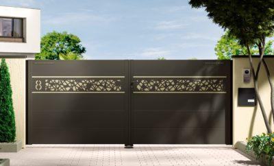 portail aluminium contemporain battant avec lame décorative et liserés